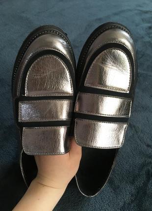 Туфлі ,балетки