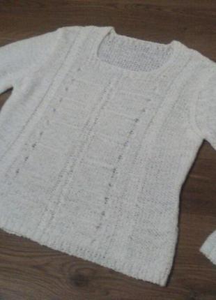 Белый укороченный свитер