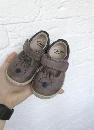 Туфли туфельки для девочки на липучке кожа