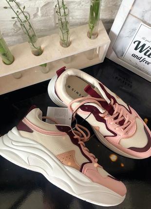 Новинки стильные кроссовки