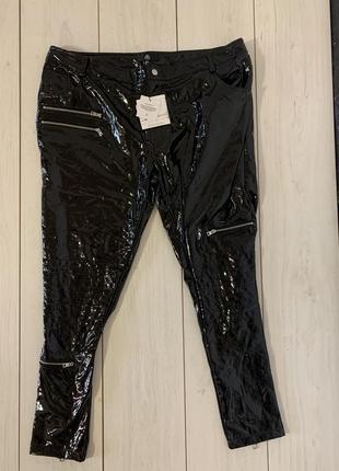 Виниловые брюки большого размера
