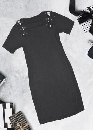 Черное платье с принтом и шнуровкой select2 фото