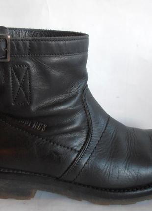 Ботинки для мальчика. натуральная кожа