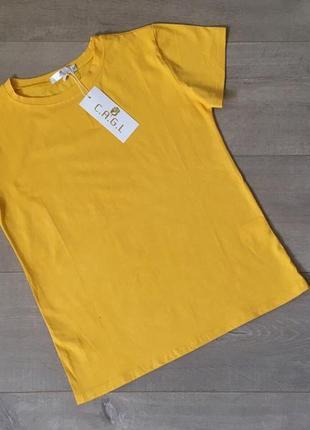 Качественная новая котоновая однотоная желтая футболка