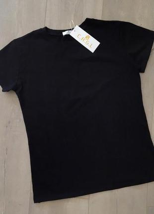 Новая качественная котоновая черная футболка