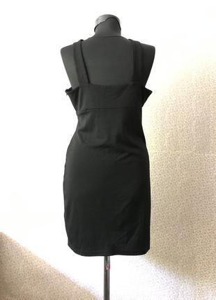 Красивое платье с прекрасным декольте4 фото