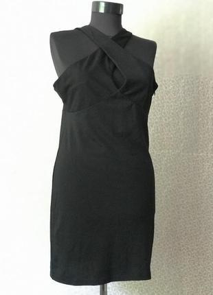Красивое платье с прекрасным декольте5 фото