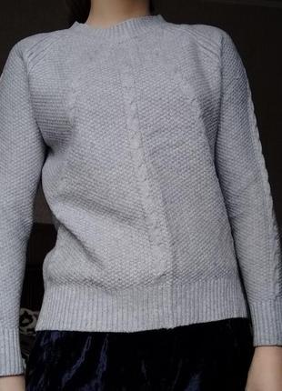 Супер милый свитер серого цвета