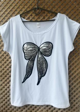 Хлопковая белоснежная футболка