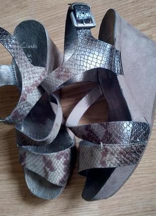 Босоножки сандалии под змеиную кожу