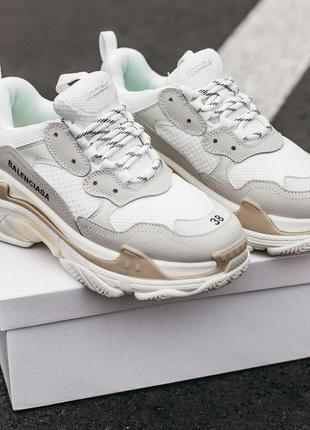 Balenciaga triple s cream white женские кроссовки весна\лето\осень