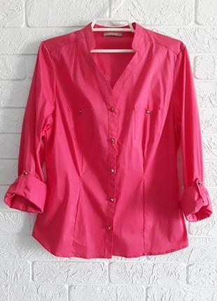 Стильная рубашка  кораллового цвета.