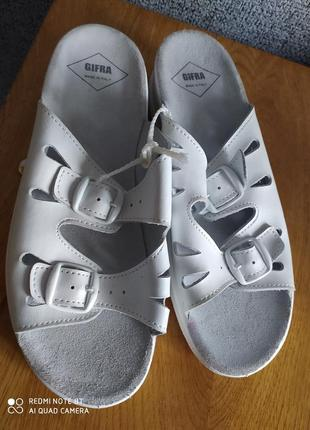 Босоножки шлепанцы сандалии