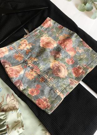 Стильная джинсовая мини юбка юбочка бандаж с цветами