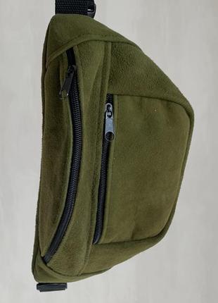 Большая бананка из натуральной кожи, сумка на пояс вместитетльная оливка замш б13