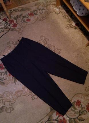 Укороченные,зауженные брюки-капри,высокая посадка,стрелки,офис,сост.новых,большого размера