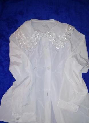 Блузка нарядная.