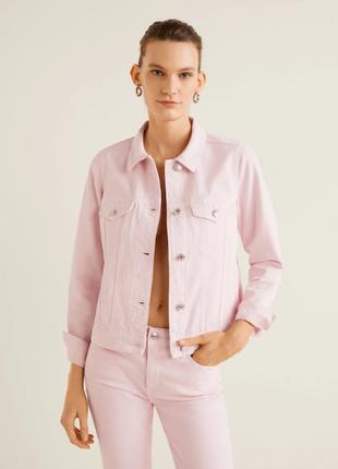 Розовая джинсовая куртка mango s