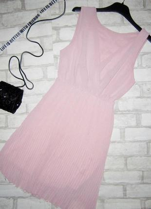Шикарное воздушное платьице на запах ,плисе , пудрового цвета