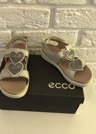 Ecco очень красивые кожаные босоножки сандали новые фирменные