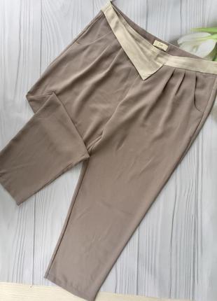 Стильные укороченные брюки jsay