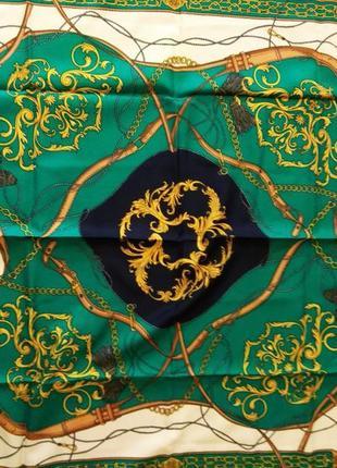 Платок с красивым принтом и ручной обработкой края  leonardi италия