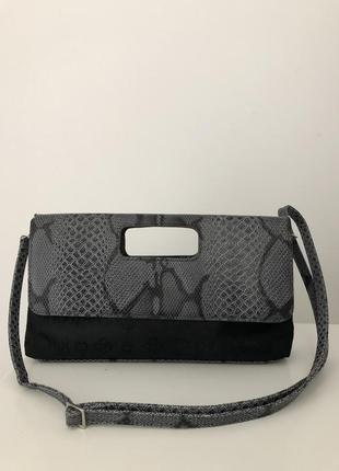 Стильный актуальный клатч сумка с квадратной ручкой