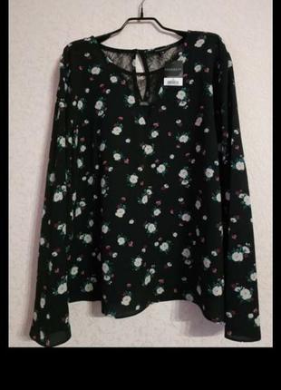 Блуза фирменая стильная 52-54-56р.