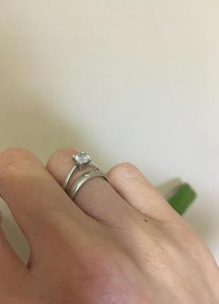 Шикарное серебряное помолвленное кольцо рр 16,5