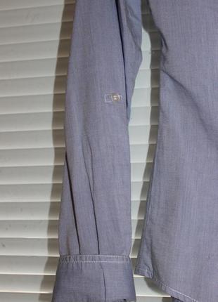 Приталенная стильная рубашка с отделкой из гипюра.4 фото