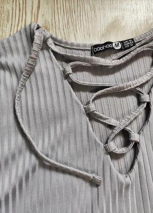Серое голубое длинное платье миди макси с люверсами шнуровкой на вырезе декольте батал6 фото