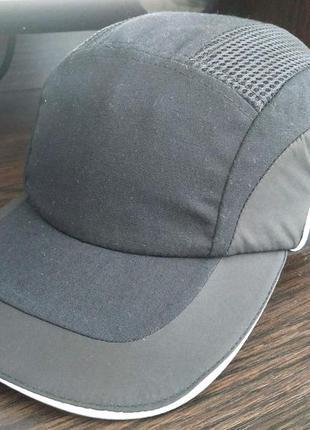 Промышленная  каска-бейсболка кепка jsp защитная строительная черная