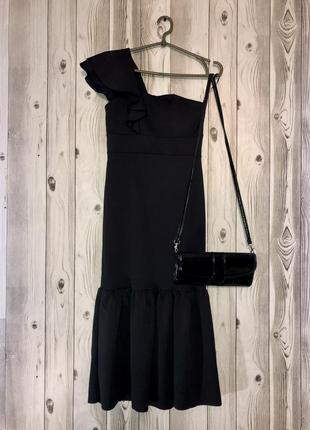 Красивое вечернее платье из новой коллекции