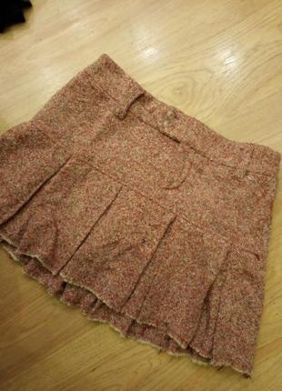 Шерстяна юбка на підкладці.