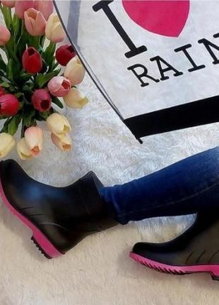 Женские резиновые сапоги