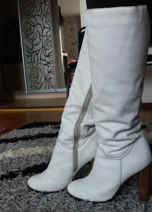 Шикарные белые сапоги
