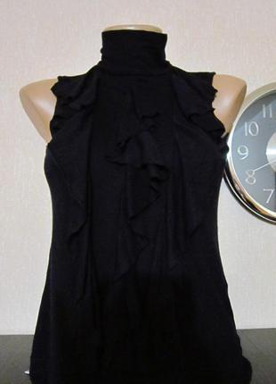 Блуза-футболка с воротником под горло  без рукавов от atmosphere (primark).