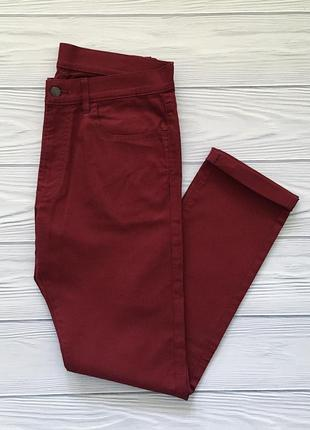 Мужские джинсы бордовые uniqlo джинси