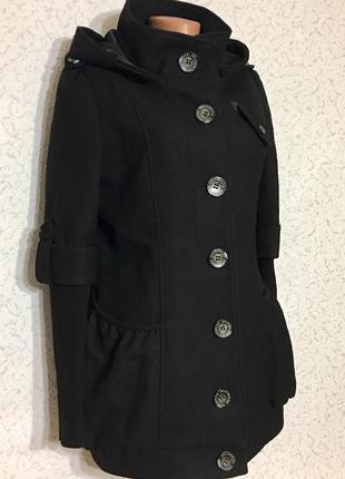 Стильное оригинальное легкое пальто