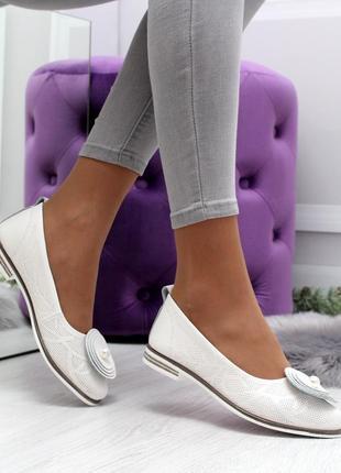 Новые женские белые кожаные туфли балетки