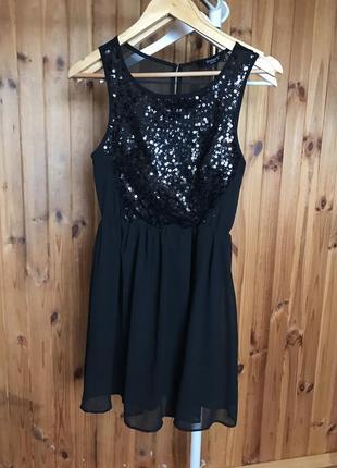 Маленькое черное нарядное платье в пайетки цветочки sisters point