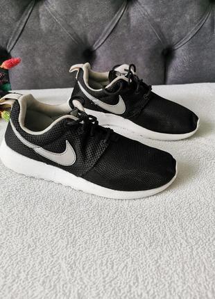 Кросівки 36 розмір