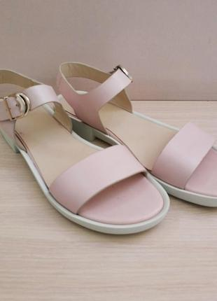 Кожаные босоножки сандалии 39 размер