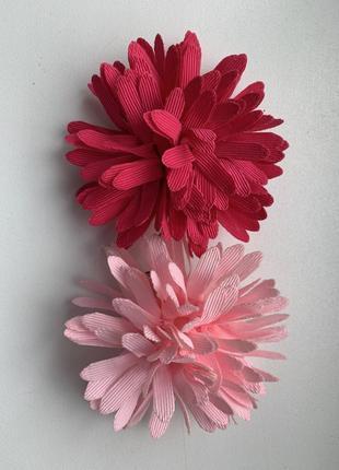 Заколки , броши тканевые - цветочки