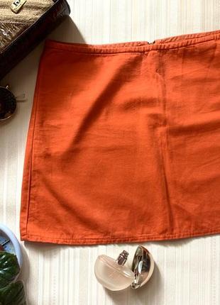 Красная мини юбка