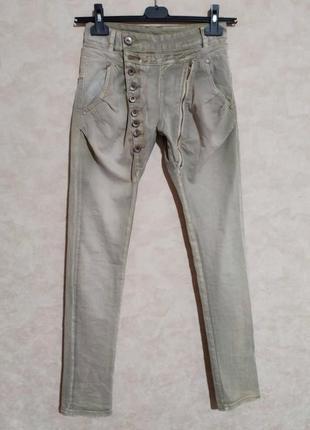 Необычные джинсы хаки 27-28