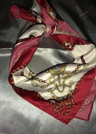 Шёлковый платок в принт на шею, волосы