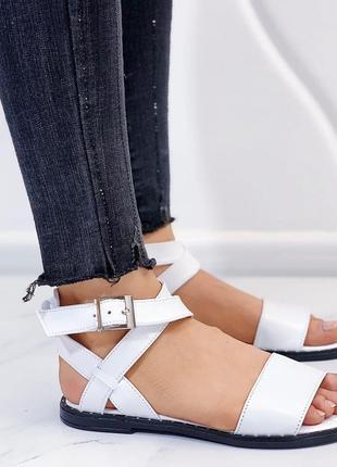 Новые женские кожаные белые  босоножки