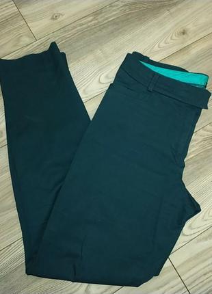 Зауженные изумрудные брюки