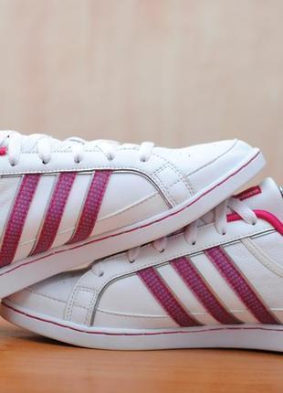 Продам нові жіночі шкіряні кроси adidas agashae trainers 39р. 24.5-25cм.